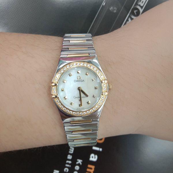台中流當手錶拍賣 美品 原裝 Omega 星座 半金 鑽圈 珍珠面 石英 女錶 9成5新 喜歡價可議 ZR507
