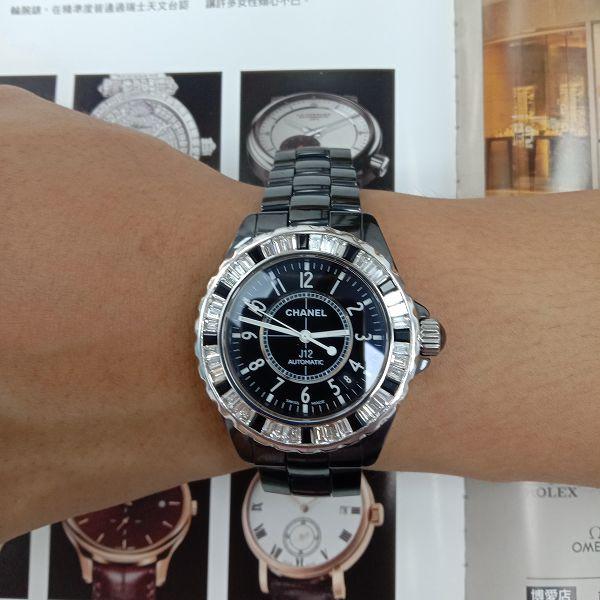 台中流當手錶拍賣 原裝 CHANEL J12 38mm 黑陶瓷 鑽圈 自動 男女錶 9成5新 特價出清 ZR514